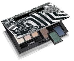 box-with-eyeshadow-1.jpg